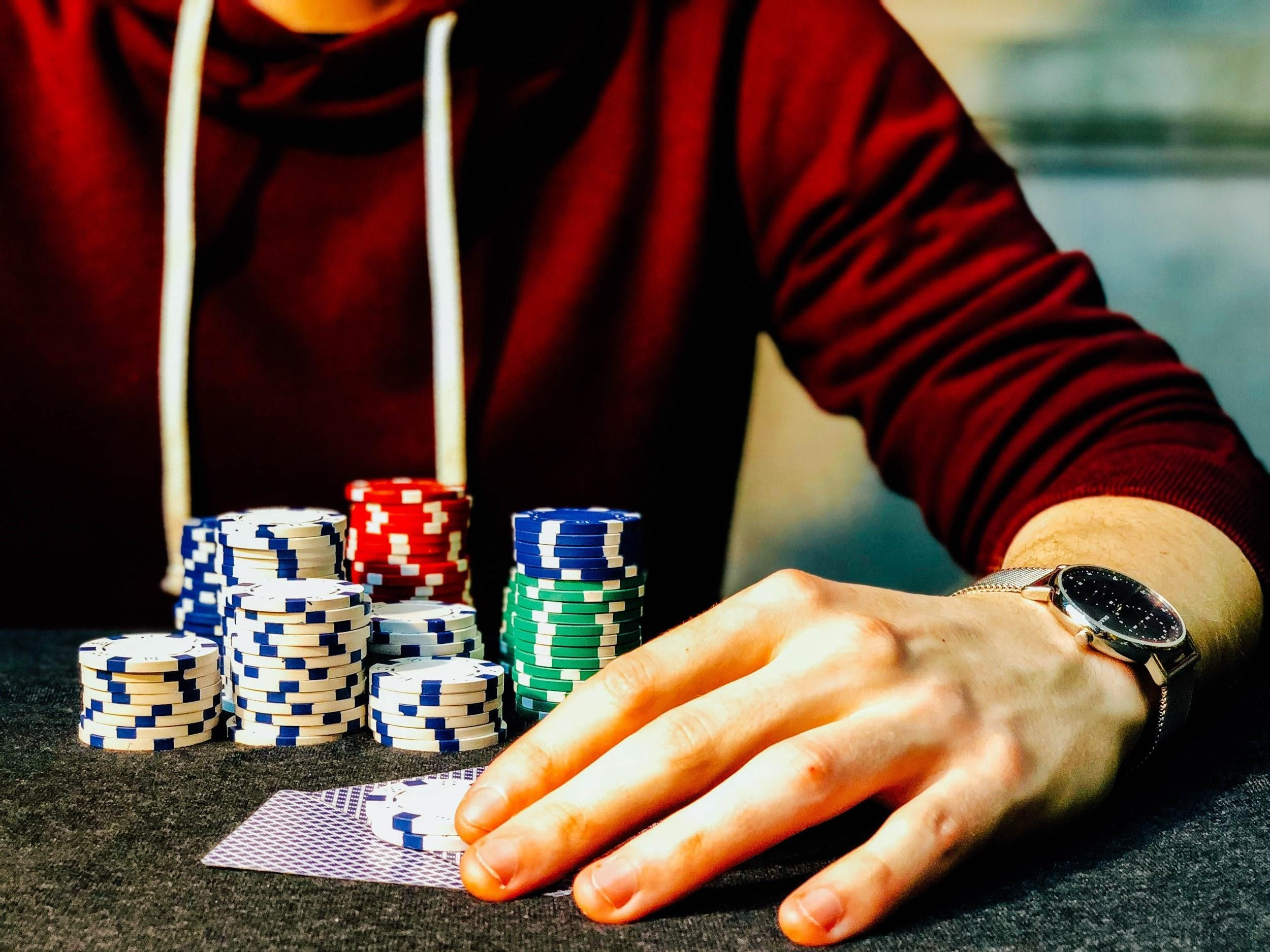 Three Things You Must Know Before Your First Live Dealer Game - Programming  Insider