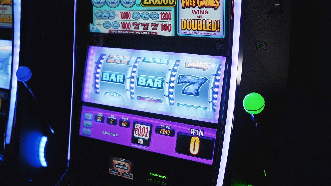 5 Biggest Slot Machine Wins of All Time - Programming Insider
